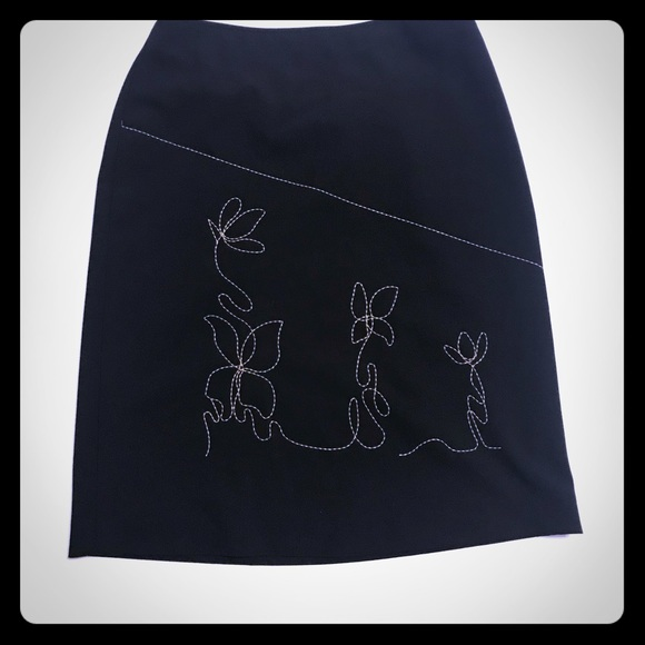INC Black Pencil Skirt wEmbroidered detail [SK-12]